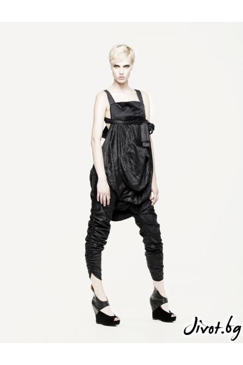 Черен гащеризон трансформиращ се в панталон Maria Queen Maria