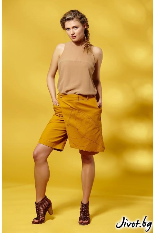 Къси дамски панталони с декоративна платка в цвят шафран / Модна къща АМБИЦИЯ
