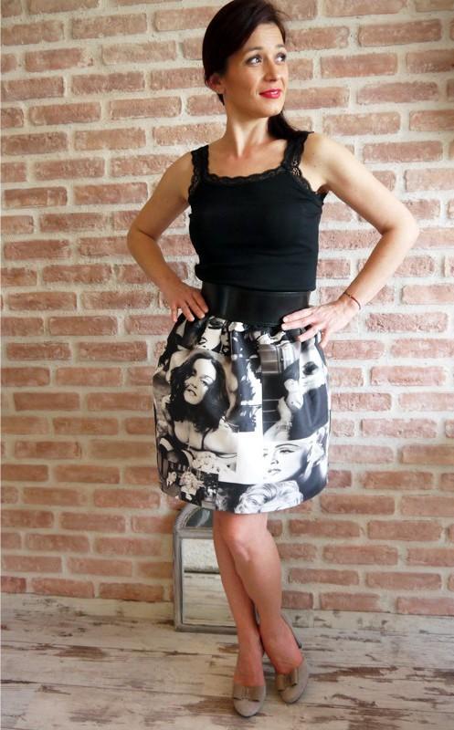 Къса дамска пола с ластик на талията в черно и бяло / VЯRA за MUSE SHOP