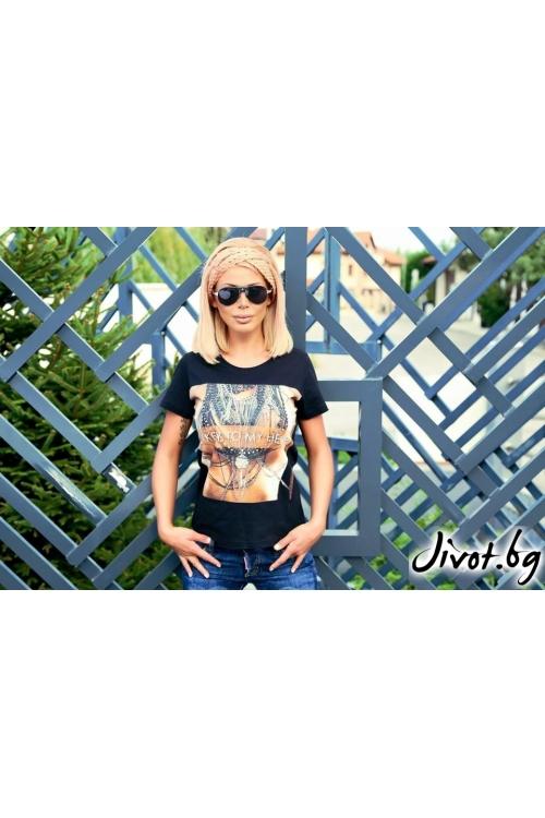 Тениска с къс ръкав и дизайнерска щампа/LOOK AT ME