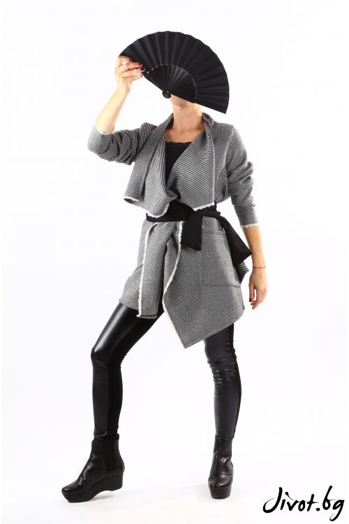 Вълнена жилетка на черно-бял пепит с колан / VЯRA за MUSE SHOP