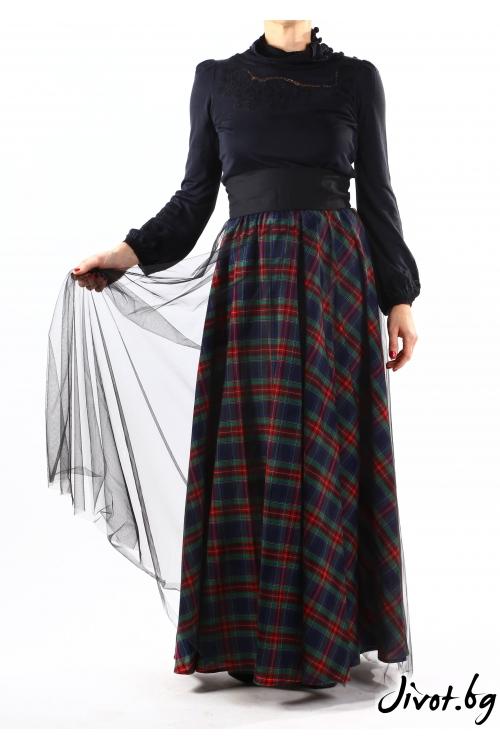 Фантастична дамска пола от червено каре и тюл / VERNE