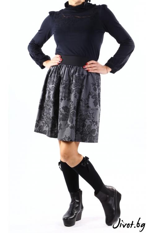 Къса дамска пола от плътен сив памук с имитация на дантела/ VERNE