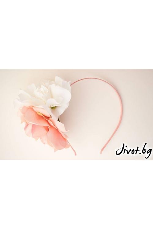 Детска диадема с бледо розова и бяла камелия/Forget-me-not