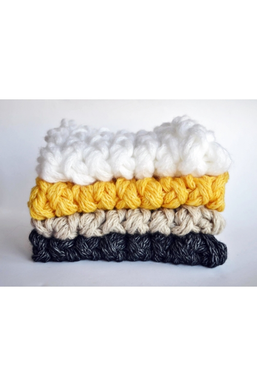 Снежно бял ръчно изработен дамски шал / Joanna Palankova