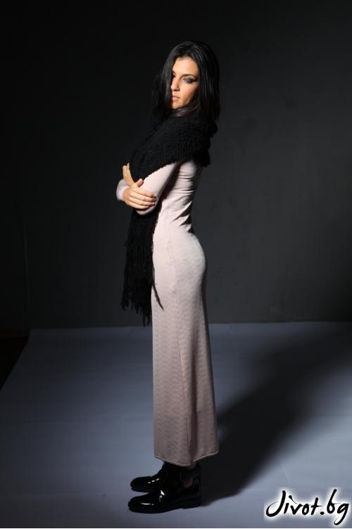 Дамска рокля с дълъг ръкав цвят пудра / Модна къща АМБИЦИЯ