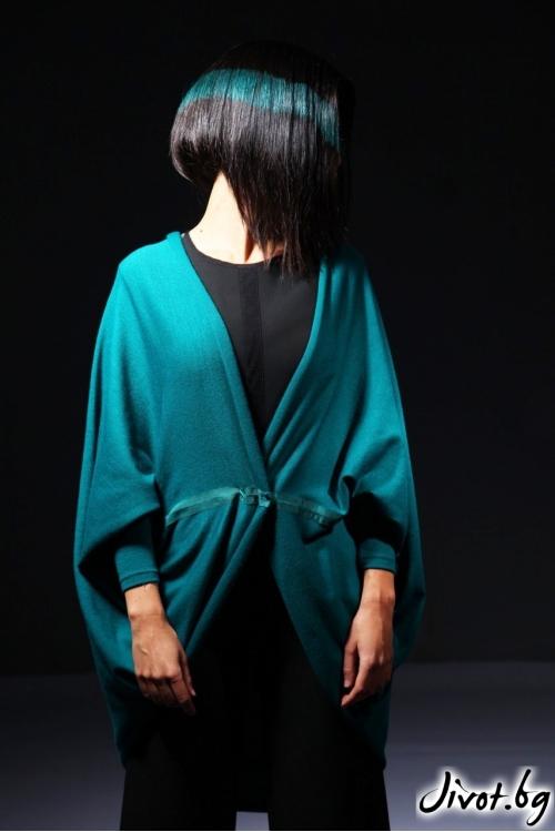 Жилетка със вободен силует,закопчаване на талията е ефектни ръкави/ Модна къща АМБИЦИЯ