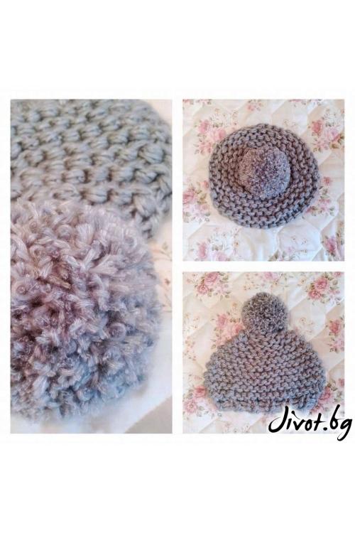 Ръчно плетена дамска шапка в нежно сиво с помпон / Cherie Marie