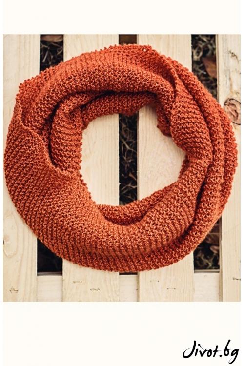 Ръчно плетен шал в керемиден цвят / MAMURI Handmade studio