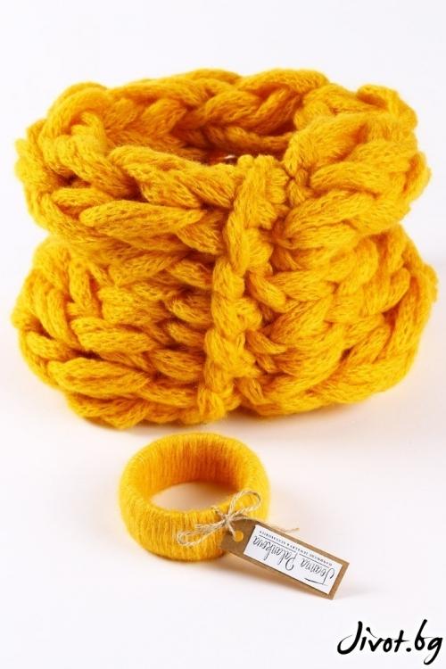 Комплект от портокалово жълт ръчно плетен шал яка и гривна/ Joanna Palankova