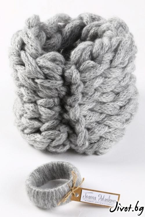 Разкошен и мек дамски ръчно оплетен шал в модерно сиво / Joanna Palankova