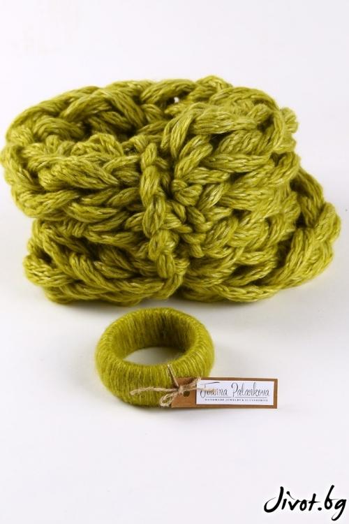 Вълнен ръчно изработен шал в цвят лайм / Joanna Palankova