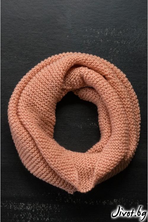 Дамски шал яка в нежен прасковен цвят / MAMURI Handmade studio