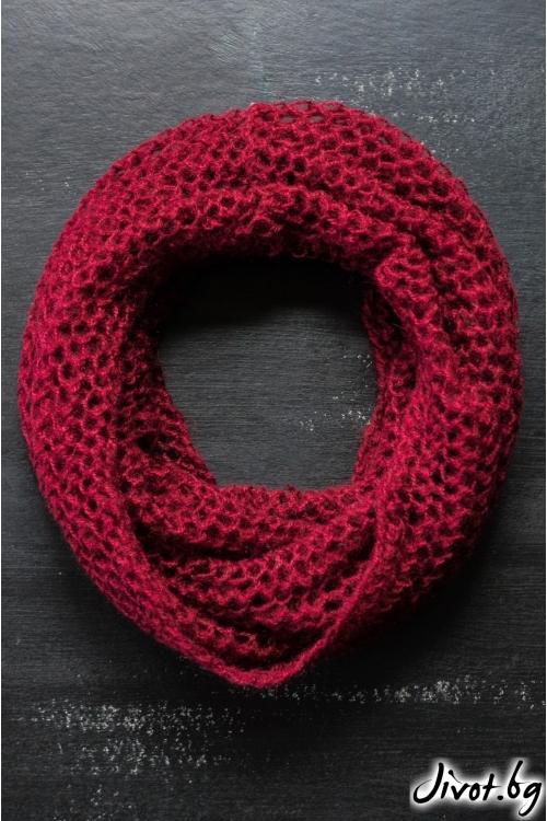 Винено червен мохерен шал яка / MAMURI Handmade studio