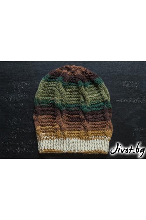 Ръчно плетена шапка със жълт помпон / MAMURI Handmade studio