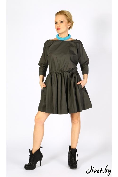 Красива рокля с обемни ръкави и отворен гръб VESTITI