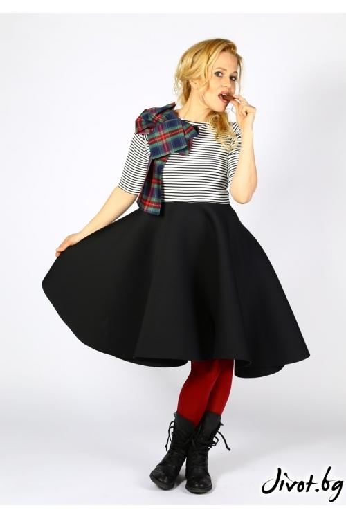 Закачлива рокля от неопрен и красива апликация / Райна Косовска