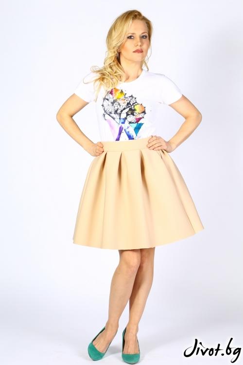 Къса дамска пола в нежен бежов цвят от неопрен / Polina Petrova