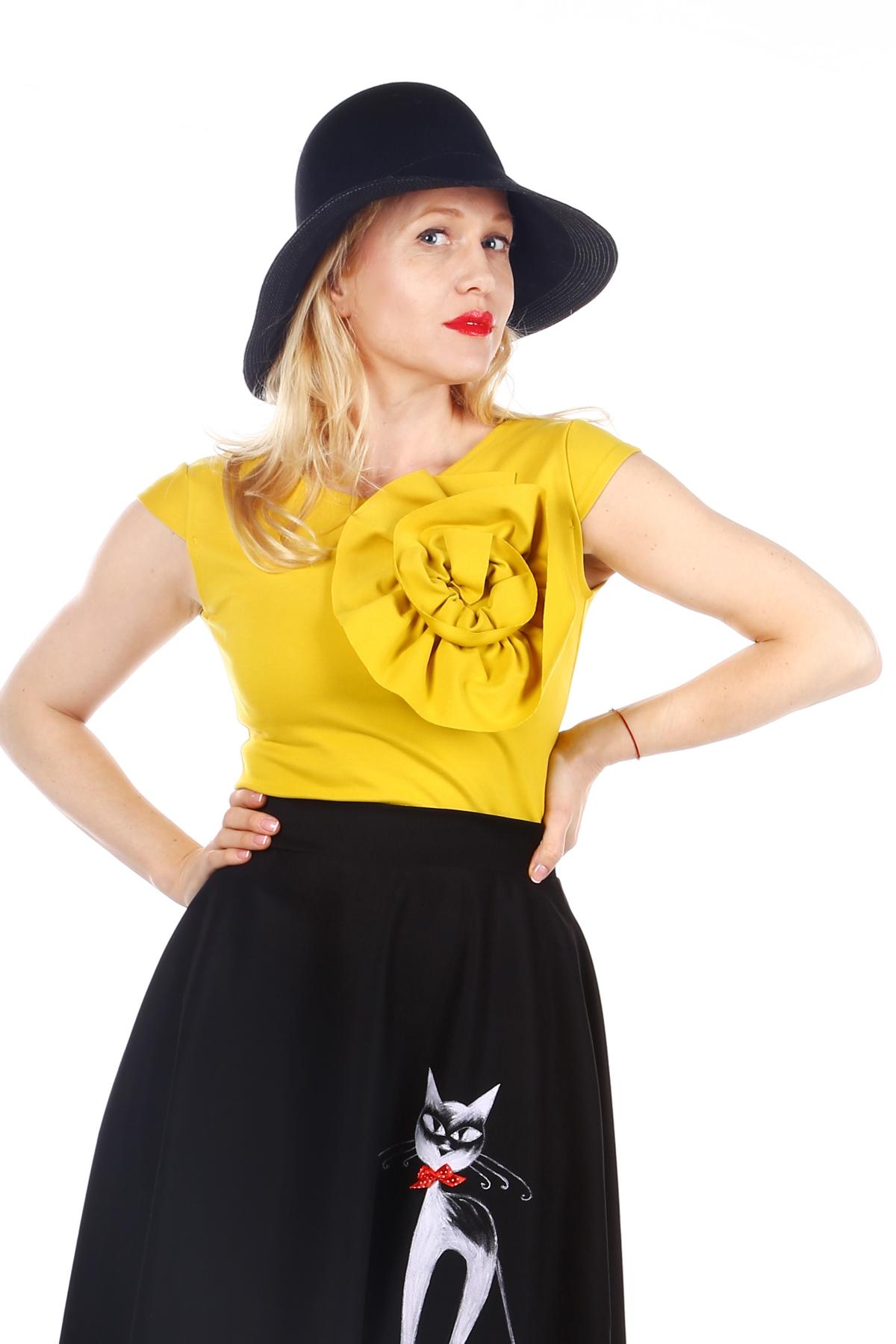 Жълта дамска блуза с декорация / SHOP MY J