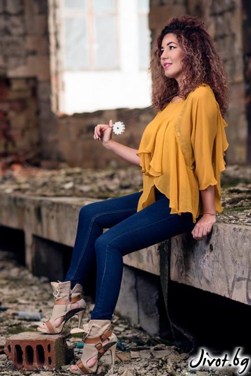 Жълта риза с къдри и три-четвърти ръкави / GUGOSHEVA