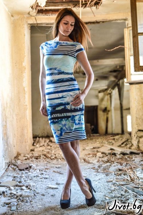 Елегантна дамска рокля с раие и цветя / ALENIA