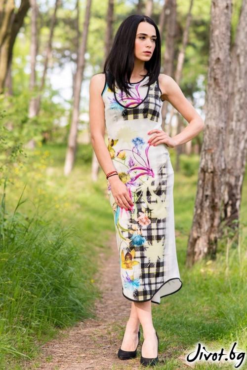 Дълга дамска рокля с флорален десен / JUST T.K.