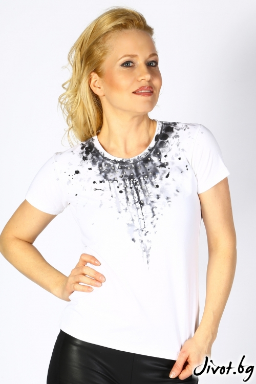 Дамска бяла блуза с ръчно рисувана декорация и кристали / Décollage