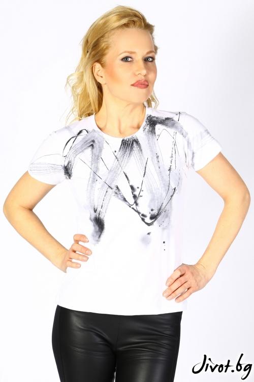 Бяла дамска блуза с къс ръкав и ръчно рисувана декорация / Décollage
