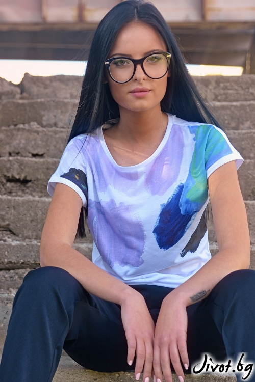 Тениска с дизайнерски принт / Lila Style House