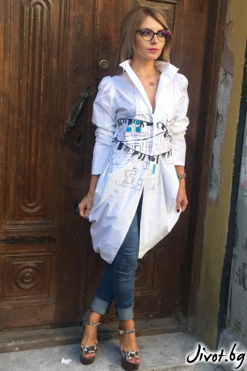 Бяла риза с буфан ръкав / By Angela