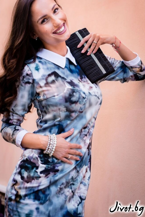 Стилна дамска рокля с якичка / Melina Fashion