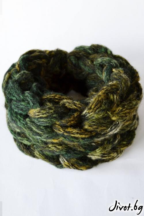 Ръчно плетен шал в зелен меланж / Joanna Palankova