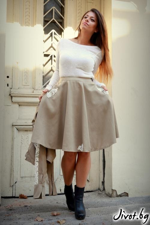 Клоширана дамска пола с дантела / ALENIA