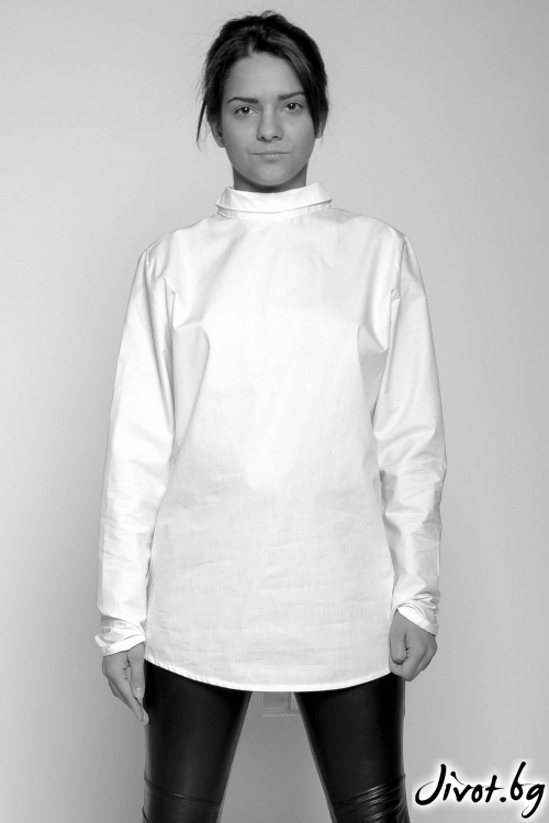 Бяла риза с малка яка и отворен гръб / EXPERIMENT