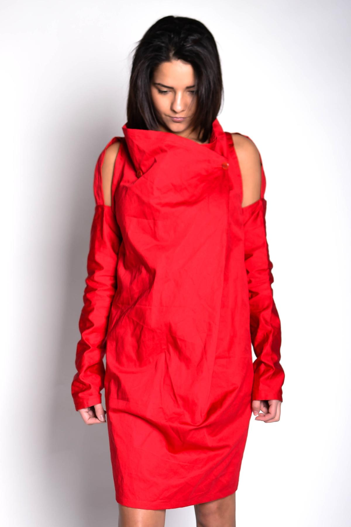 Червена къса рокля / EXPERIMENT