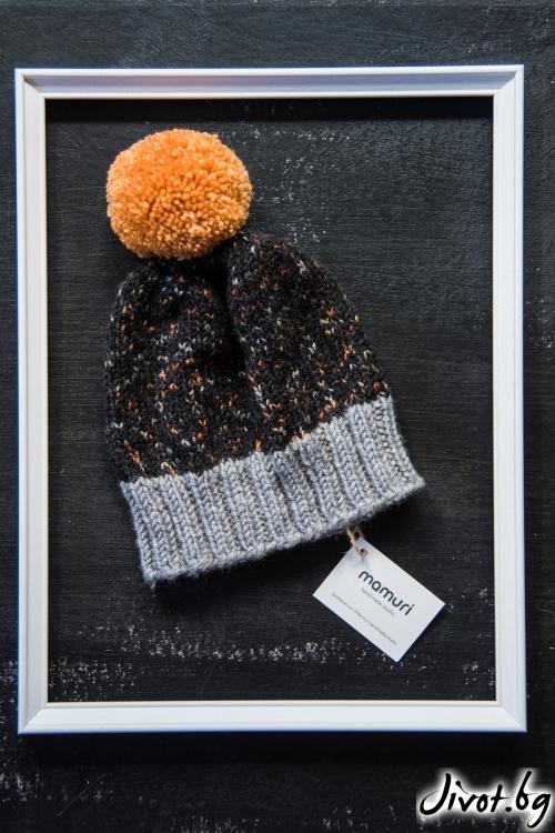 Красива ръчно плетена шапка с понпон / MAMURI Handmade studio