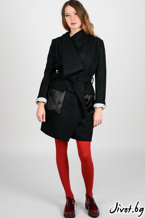 Черно дамско палто с джобове от еко кожа / VIVASTELLA