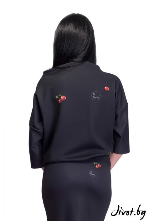Черна блуза с принт