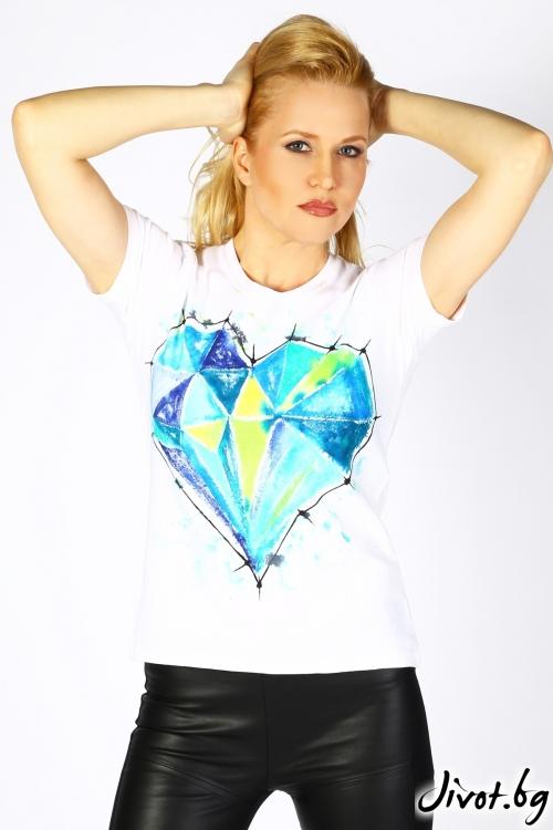 Дамска тениска с ръчно изрисувано сърце / Décollage