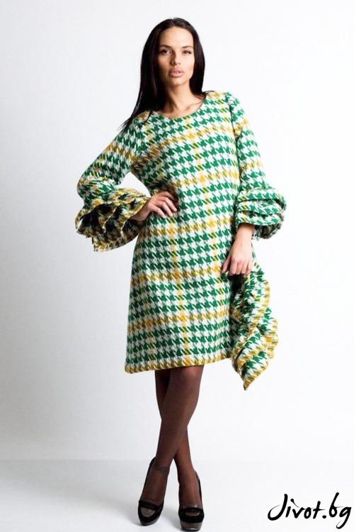 Къса дамска рокля от вълна