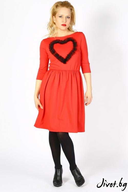 Завладяващо червена рокля с черно апликирано сърце / VЯRA за MUSE SHOP