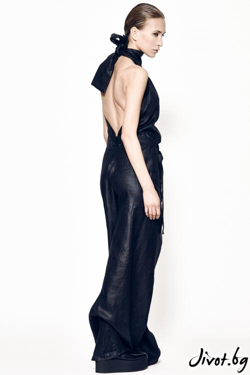 Черен гащеризон MARIA QUEEN MARIA с гол гръб