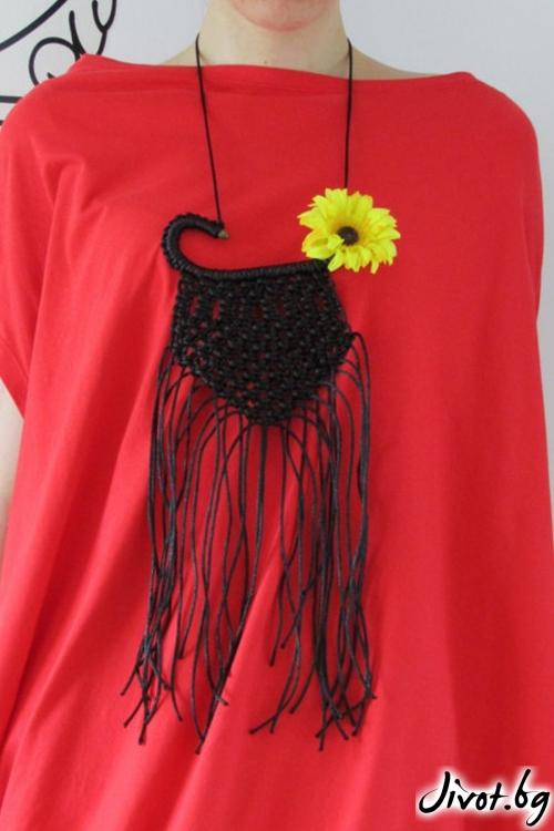 Ръчно плетено копринено колие / FABRA MODA STUDIO