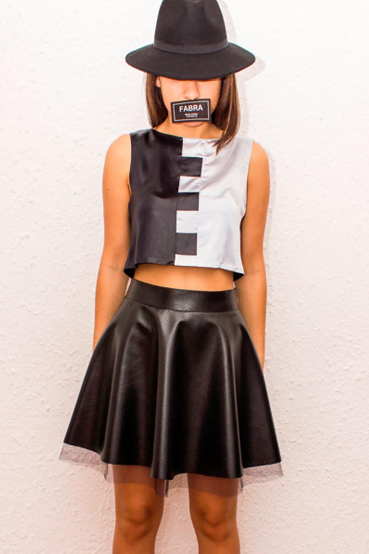 Разкроена пола с висока талия от перфорирана еко кожа и тюл/FABRA MODA STUDIO