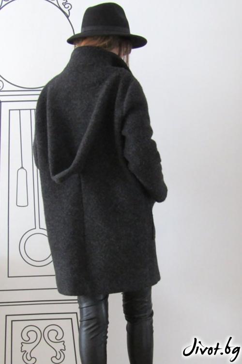 Екстравагантно палто от вълна / FABRA MODA STUDIO