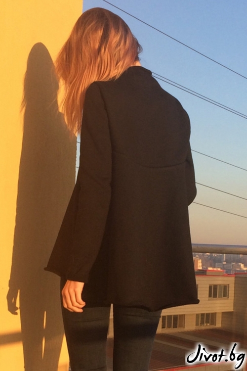 Черна разкроена поло блуза / FABRA MODA STUDIO
