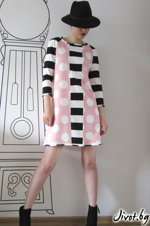 Къса рокля с ръкави в комбинация от точки и райета / FABRA MODA STUDIO
