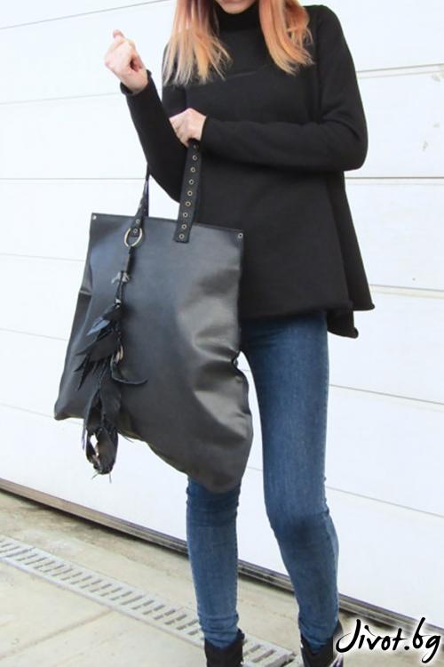 Асиметрична черна чанта от етествена кожа с метални капси / FABRA MODA STUDIO