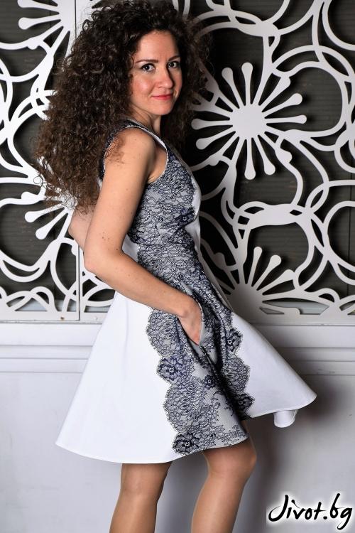 Бяла рокля със синя дантела / Амплоа Ателиер