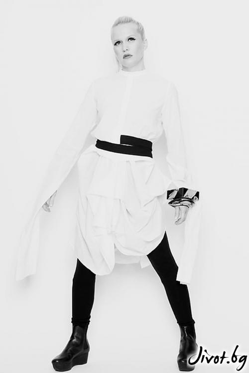Бяла памучна риза / рокля с дълги ръкави и черен колан / Maria Queen Maria